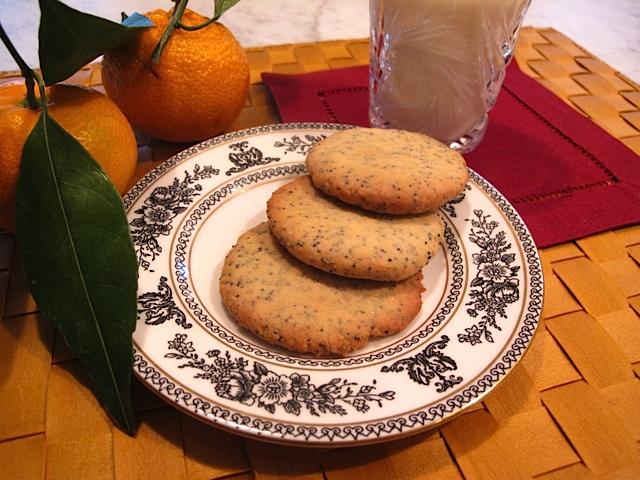 Crispy & Citrusy Poppy Seed Cookies